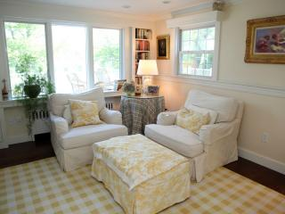 89 Pine Ln, Osterville, MA 02655