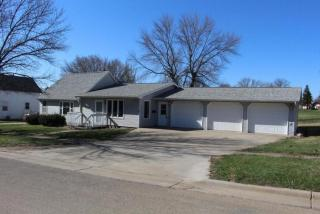 105 East Birch Street, Arlington SD