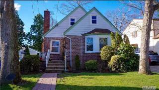 898 Seaman Avenue, North Baldwin NY