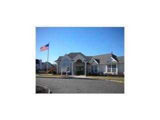 104 Woodlake Dr, Parlin, NJ 08859