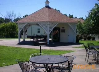 602 Huckleberry Heights Dr, Hannibal, MO 63401