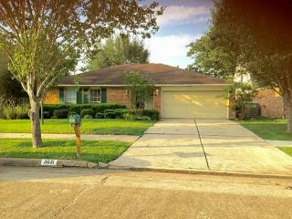 3031 Windmill St, Sugar Land, TX 77479