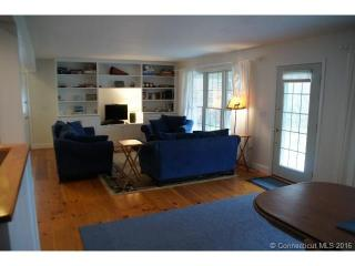 101 Mackin Dr, Griswold, CT 06351