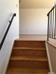 15641 76th St #2, Queens, NY 11414