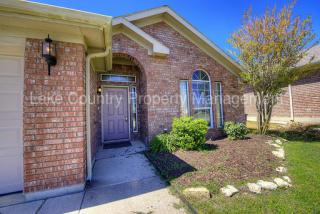 10629 Braewood Dr, Fort Worth, TX 76131