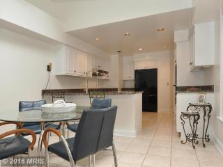 4016 Highwood Ct NW, Washington, DC 20007