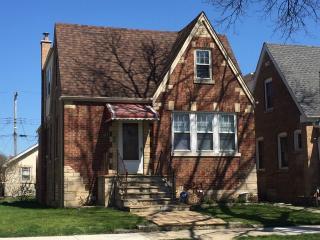 5634 West Cullom Avenue, Chicago IL