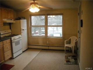 42 Ridge St, Pearl River, NY 10965