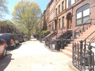 380 Marcus Garvey Blvd #2, Brooklyn, NY 11221