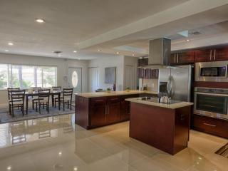 4830 NE 28th Ave, Fort Lauderdale, FL 33308