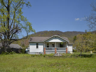 219 Old Us 70 Hwy, Swannanoa NC  28778-2318 exterior