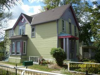 198 Charles Ave, Saint Paul, MN 55103