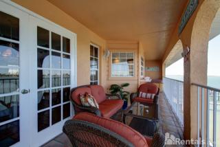 380 8th Ave N #8, Tierra Verde, FL 33715
