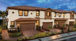 Grand Lakes Estates Towns by Lennar