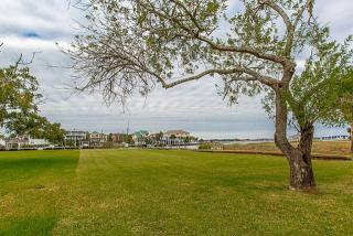 2110 Cove Park, Kemah TX