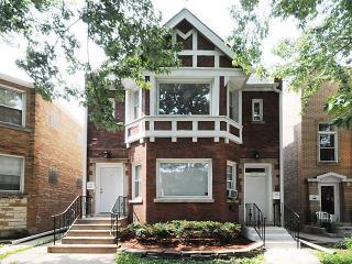 5712 North Christiana Avenue, Chicago IL