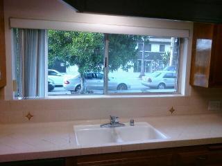 322 E Dryden St, Glendale, CA 91207