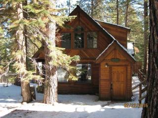 10359 Royal Crest Drive, Truckee CA