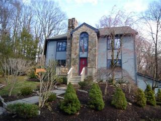 18 Red Oak Lane, Norwalk CT
