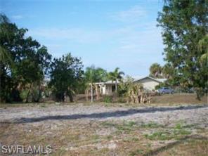 995 April Lane, North Fort Myers FL