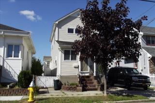693 South 7th Street, Lindenhurst NY