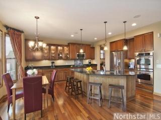 1695 Carriage Dr, Victoria, MN 55386