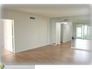 3499 Oaks Way #105, Pompano Beach FL