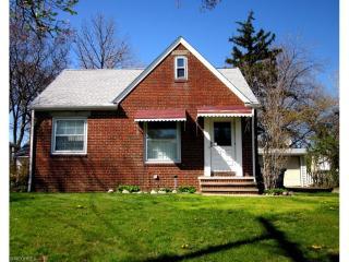18306 Fairville Avenue, Cleveland OH