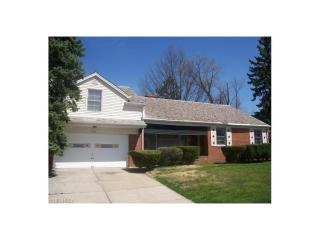 1055 Hereford Road, Cleveland Heights OH