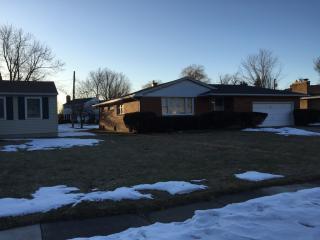 41 Millbrook Dr, Buffalo, NY 14221