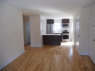 Address Not Disclosed, Roslyn, NY 11576