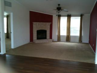 453 W Jauer St, Karnes City, TX 78118