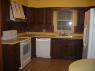 1215 East Dr, Bluefield, WV 24701