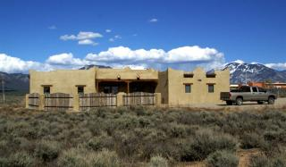 150 Los Rios Road, Arroyo Hondo NM