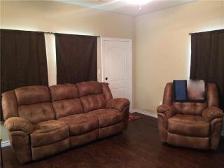817 W Lamar St, Sherman, TX 75092
