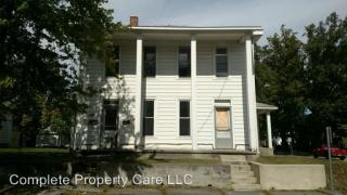 225 227 E Short St, Winchester, IN 47394