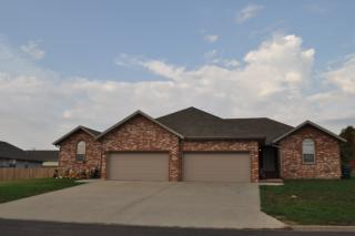 1304 Woodland Rdg, Monett, MO 65708