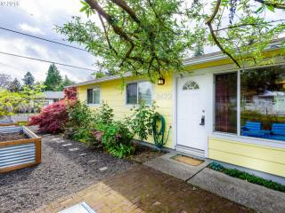 6430 Southeast Ogden Street, Portland OR
