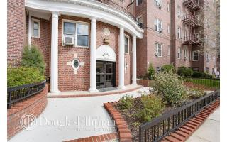 11055 72nd Road #303, Forest Hills NY