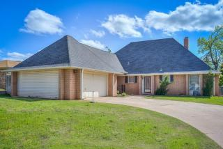 2014 East Canadian Court Terrace, Mustang OK