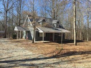 427 Pony Lake Lane, Murrayville GA