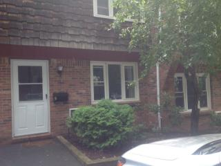 196 Main St #TOWNHOUSE 1, Lee, MA 01238