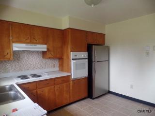 914 Alwine St, Johnstown, PA 15904
