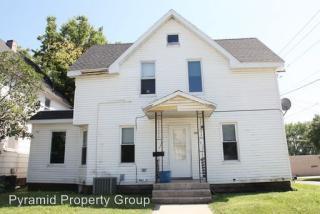 103 S Jefferson Ave, Mason City, IA 50401