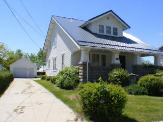 414 W Mission St, Strawberry Point, IA 52076