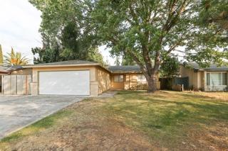 5370 Great Smokey St, Sacramento, CA 95823