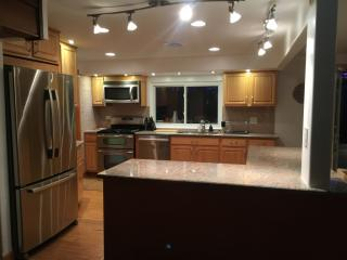 221 Lincoln Hills Dr, Valparaiso, IN 46385