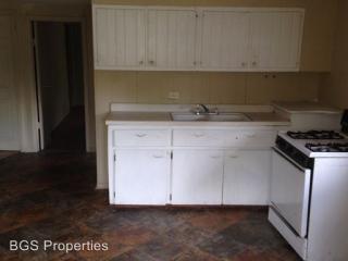1843 Harris St, Dyersburg, TN 38024