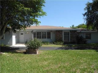 8340 SW 142nd St, Palmetto Bay, FL 33158