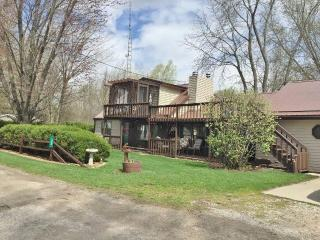 160 B Turkey Lk, Hudson IN